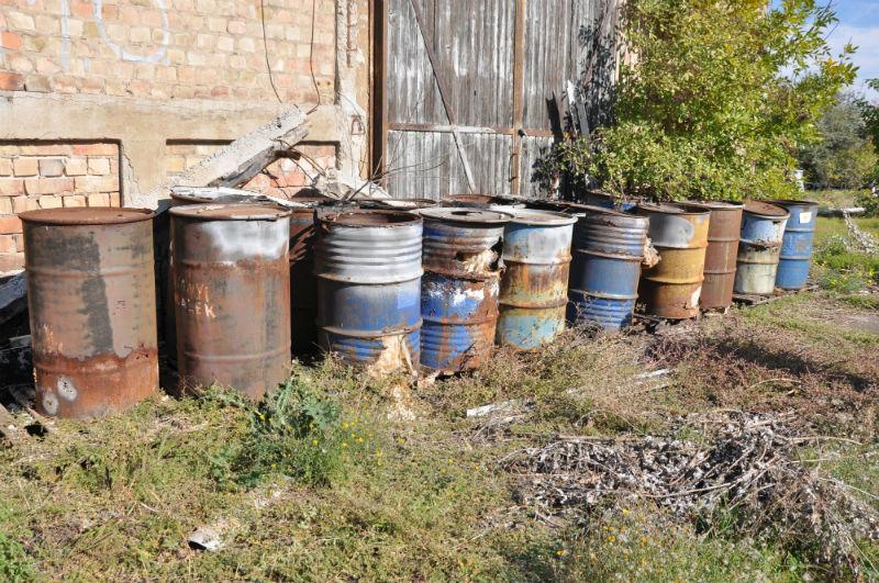 Veszélyes hulladék az Illatos úton Fotó: Juhász András