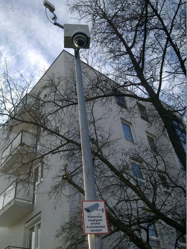 Biztonsági kamera a Lobogó - Napfény sarkán