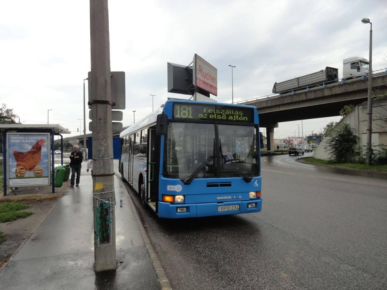 181 -es busz /Fotó: Szána Iván/