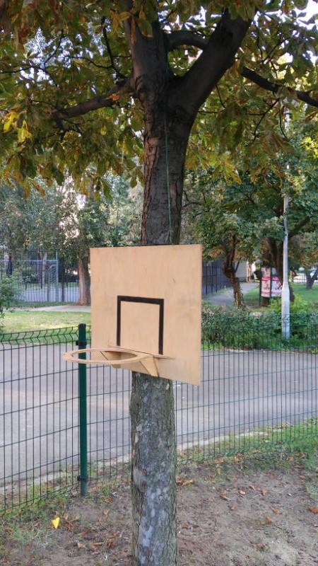 Nézzünk körbe az Ifjúmunkás utcai játszótéren!